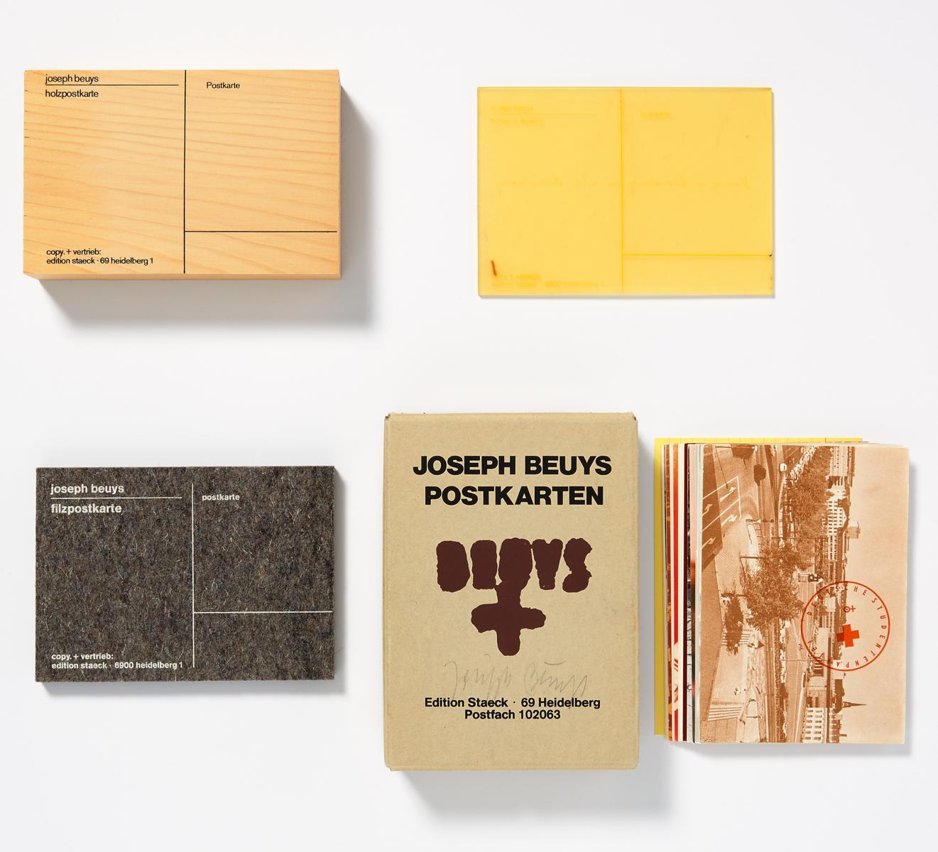 "hochwertige Kunst-Postkarte JOSEPH BEUYS:/""Demokratie ist lustig/"" Originalgrafik"