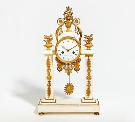 Portalpendule Style Louis XVI, Auktion 445 Los 576, Van Ham Decorative Art